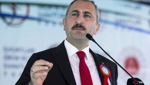 Bakan Gül'den sert mesaj: Türk yargısına hesap sormaya kalkmasınlar