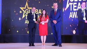 Nurten öğretmen Küresel Öğretmen ödülünü aldı