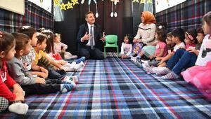 Başkan Köse, Mobil Anaokulunu ziyaret etti
