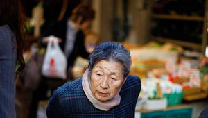 Japonyada 100 yaş üstü nüfus 71 bini aştı