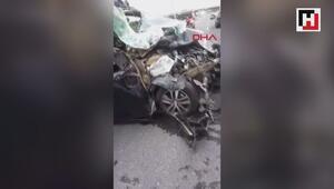 Minibüs hafriyat kamyonuna çarptı; 1i kadın 2 ağır yaralı