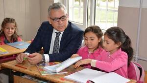 Vali Şimşek'ten okullara ziyaret