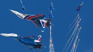 Rus pilotlardan TEKNOFESTte nefes kesen gösteri