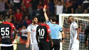 Son dakika... Beşiktaşlı Elnenye 3 maç ceza