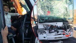 Yolcu otobüsü ile TIR çarpıştı: Çok sayıda yaralı