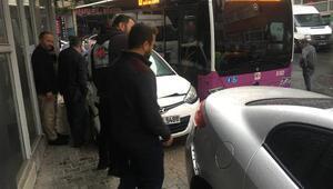 Son dakika... Kağıthanede otobüs 5 araca çarptı