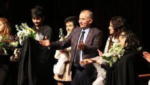 Denizli Büyükşehir Belediyesi Şehir Tiyatrosu 2 ödül aldı