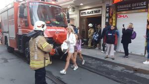 Eminönünde otelde yangın paniği