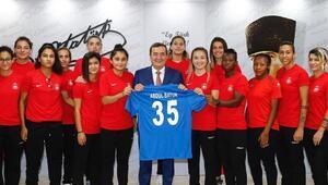 Konak Belediyespor, yeni sezon öncesi yine iddialı