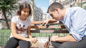 Görme engelsiz satranç