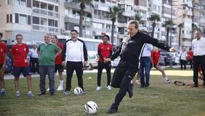 Avrupa Hareketlilik Haftasında kadınlarla futbol oynadı