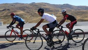 Yabancı bisikletçilerin yüksek irtifa tercihi Erciyes