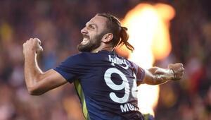 ManU ve Tottenhamdan sonra Juventus Vedat Muriqinin peşinde