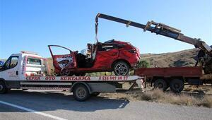 Sivasta otomobil dereye uçtu: 3 ölü, 5 yaralı