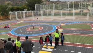İstiklal İlkokulunda trafik eğitim pisti açıldı
