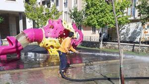 Gemlik'teki parkların temizlik ve bakım çalışmaları devam ediyor
