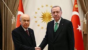 Cumhurbaşkanı Erdoğandan Bahçeliye geçmiş olsun telefonu