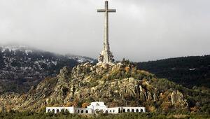 İspanyada diktatör Franconun mezar yerini değiştirme kararı