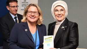 Emine Erdoğan, Alman Bakan Schulze ile bir araya geldi