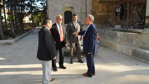 Akşehirde Hasan Paşa İmaret Cami restorasyonu son aşamaya geldi
