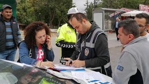 Son dakika: Ülke genelinde uygulama dün başlamıştı... 5 bin 63 sürücüye sigara cezası kesildi