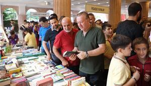 Futbolcular Alanya Kitap Günleri Fuarına katıldı