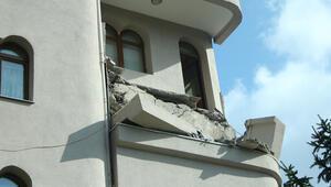 Son dakika: Şişlide bir binada balkon çöktü
