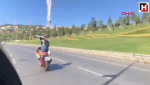 Motosikletli kadının tehlikeli dansı