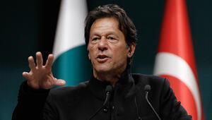 Son dakika... Pakistan Başbakanı İmran Hanı taşıyan uçak acil iniş yaptı