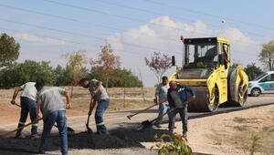 Kırsalda ve kent merkezinde yol çalışmaları sürüyor