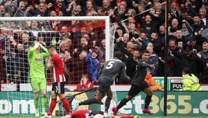 Liverpool, Hendersona duacı Büyük hatası 3 puanı getirdi...