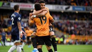Wolverhampton ilk galibiyetini aldı