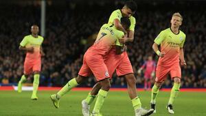Manchester City 3 golle kazandı