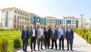 Vali Şimşekten Ömer Halisdemir Üniversitesine ziyaret