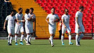Akhisarspor 30 dakikada işi bitirdi, liderliğe yükseldi