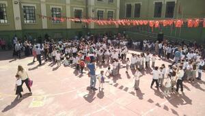 Son dakika İstanbulda 29 okulda Pazartesi günü okullar tatil edildi