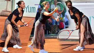 Hülya Avşar'a tenis turnuvasında yoğun ilgi