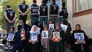 Diyarbakırda HDP önündeki eylemde 28inci gün