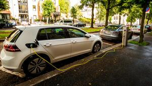 Elektrikli araçlar, dizel ve benzinliyle makası kapatıyor