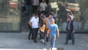Yenibosnada silahlı saldırı; 2 yaralı