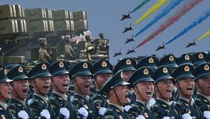 Savaş uçakları peş peşe havalandı Nükleer silahlar meydanlarda