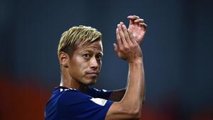 Ünlü Japon futbolcu Honda Twitterdan kendine kulüp arıyor