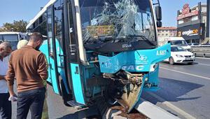 Avcılarda özel halk otobüsü kaldırıma çıktı Yaralılar var...
