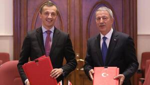 Akar, Karadağ Savunma Bakanı Boskovic ile görüştü