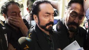Adnan Oktardan kadın avukata selam göndermiş Mahkemeden suç duyurusu