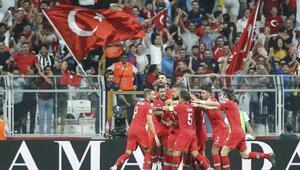 Arnavutluk maçının biletleri tükendi
