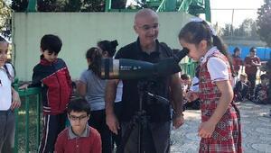 Öğrenciler Hersek'te kuşları izledi