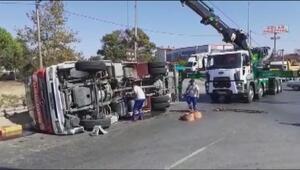 Silivride itfaiye aracı devrildi: 3 yaralı