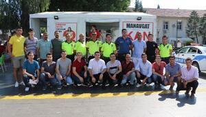 Polisten, Türk Kızılayına destek