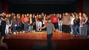 Eskişehirde tiyatro kursuna yoğun ilgi